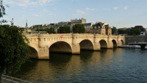 Pont Neuf, Paris führt über die Ile de la Cite
