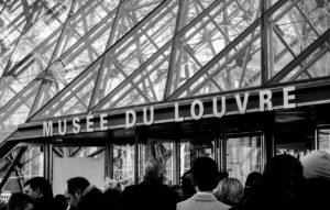 Eingang zum Louvre, Paris